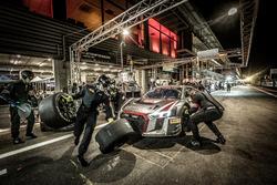 Pit stop, #66 Attempto Racing Audi R8 LMS: Pieter Schothorst, Steijn Schothorst, Jamie Green