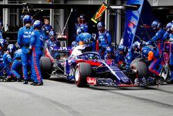 Пит-стоп: Брендон Хартли, Scuderia Toro Rosso STR13