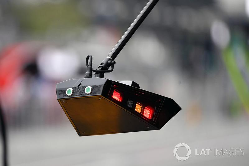 Renault Sport F1 Team pit stop luces