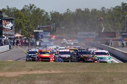 Start action, David Reynolds, Erebus Motorsport Holden leads