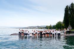 L'équipe de la Formule E saute dans le Lac Zurich