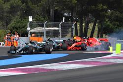 Lewis Hamilton, Mercedes-AMG F1 W09 leads at the start of the race as Sebastian Vettel, Ferrari SF71H locks up and hits Valtteri Bottas, Mercedes-AMG F1 W09