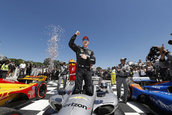 Josef Newgarden, Team Penske Chevrolet in Victory Lane