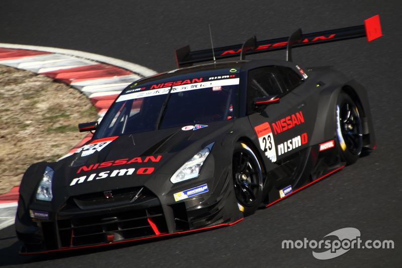 "Цугио Мацудаи <img src=""https://cdn-8.motorsport.com/static/img/cfp/0/0/0/100/108/s3/italy-2.jpg"" alt="""" width=""20"" height=""12"" />Ронни Квинтарелли –NISMO, №23(Nissan GT-R)"