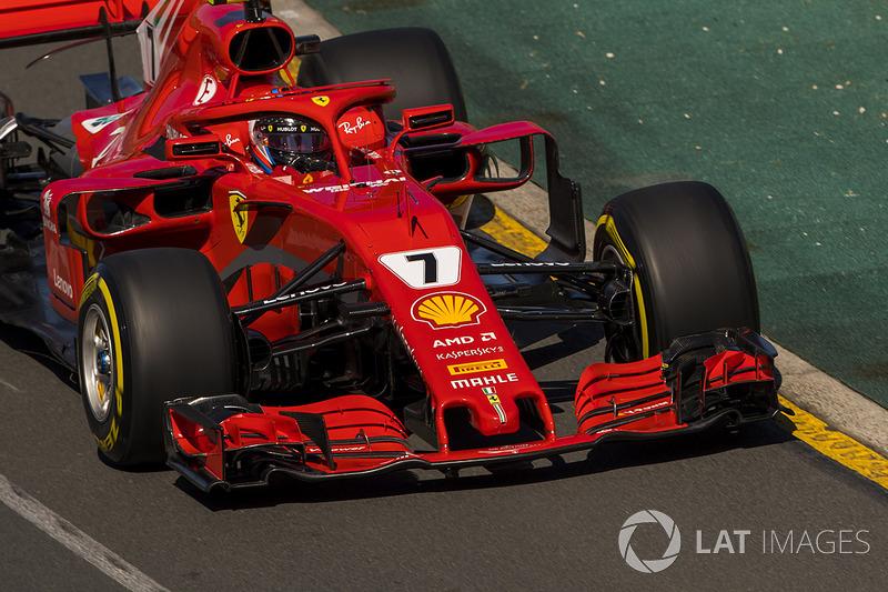Een boze Raikkonen nadat hij hoorde over de strategie van teamgenoot Vettel
