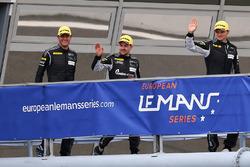 Deuxième place GTE #77 Christian Ried / Marc Lieb / Marvin Dienst PROTON COMPETITION D Porsche 911 RSR