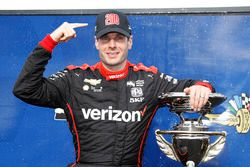 Race winner Will Power, Team Penske Chevrolet with 200th victory hat