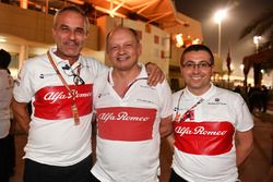 Beat Zehnder, Sauber Manager, Frederic Vasseur, Sauber, Team Principal en Luca Furbatto, Sauber Chie