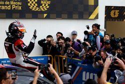 Ganador de la carrera Rob Huff, All-Inkl Motorsport, Citroën C-Elysée WTCC