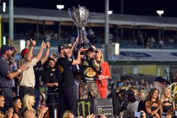 Campeón 2017 Martin Truex Jr., Furniture Row Racing Toyota, jefe de equipo Cole Pearn