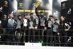Podium Asia Pro: first place Afiq Yazid, Kei Cozzolino, Clazzio Racing, second place Jack Bartholomew, Richard Goddard, FFF Racing Team, third place Ben Gersekowski, Rory Collingbourne, Leipert Motorsport