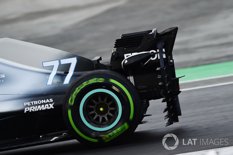 Valtteri Bottas, AMG Mercedes F1 W09, carries sensor equipment