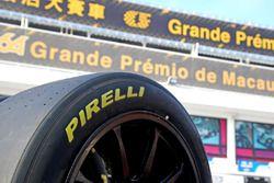 Pirelli lastik detay