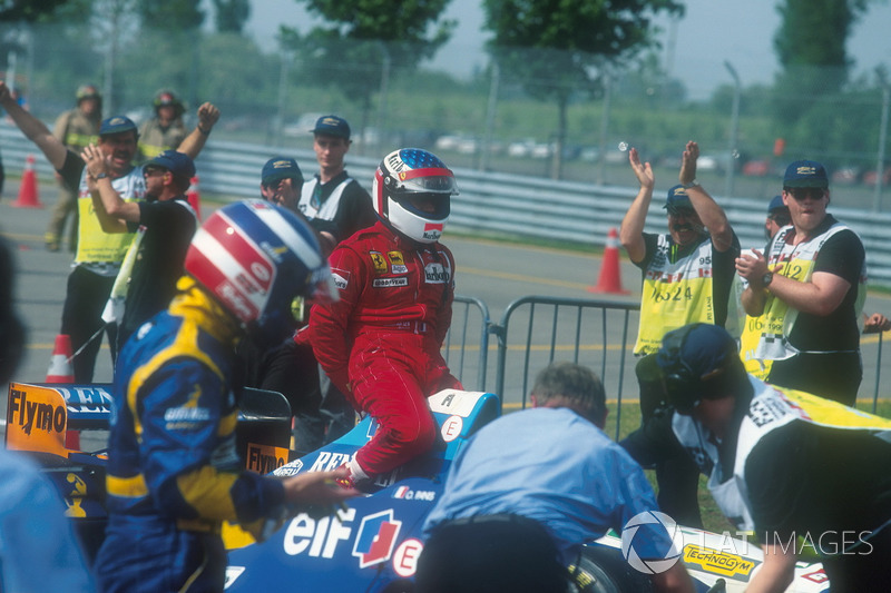 Montreal 1995 : Michael Schumacher (Benetton) carica Jean Alesi (Ferrari)