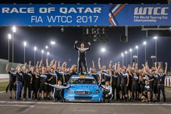 Worldchampion Thed Björk, Polestar Cyan Racing, Volvo S60 Polestar TC1 with the team