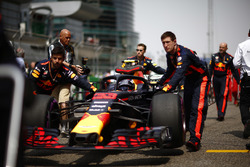 Max Verstappen, Red Bull Racing RB14 Tag Heuer, arrive sur la grille
