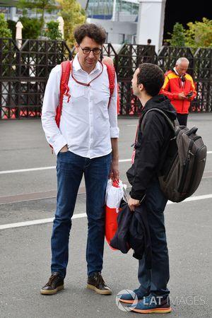 Mattia Binotto, Ferrari technisch directeur en Nicolas Todt, rijdersmanager