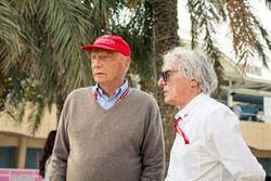 نيكي لاودا، المدير غير التنفيذي في فريق مرسيدس وبيرني إكليستون، الرئيس الفخري للفورمولا واحد