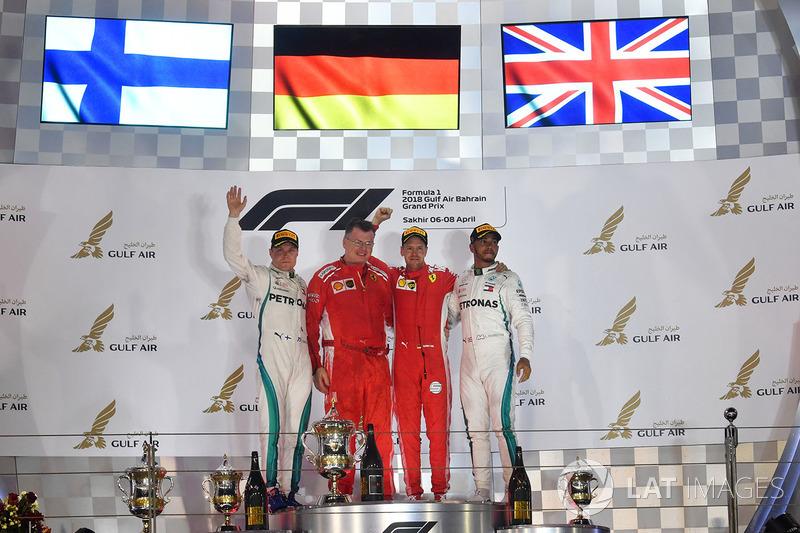 Podio: il vincitore della gara Sebastian Vettel, Ferrari, il secondo classificato Valtteri Bottas, Mercedes-AMG F1, il terzo classificato Lewis Hamilton, Mercedes AMG F1