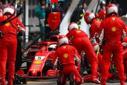 Sebastian Vettel, Ferrari SF71H, pitstop