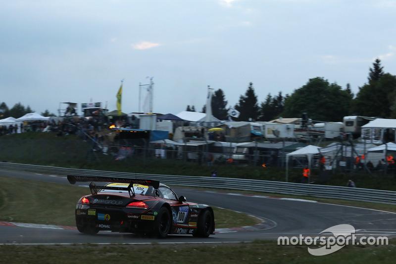 Петер Посавак, Руди Адамс, Йорг Мюллер, Алекс Ламберц, Walkenhorst Motorsport, BMW Z4 GT3 (№100)