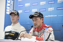 Press Conference: Ryo Michigami, Honda Racing Team JAS, Honda Civic WTCC , Thed Björk, Polestar Cyan