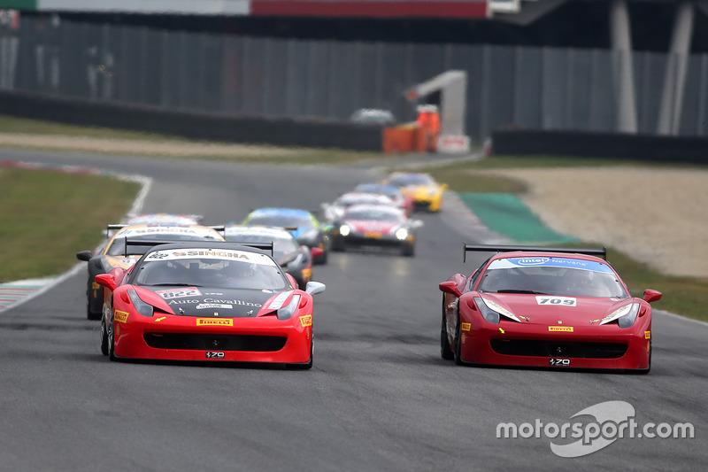 #822 Auto Cavallino Kobe Ferrari 458: Tamotsu Kondo, #709 Scuderia Corsa - Ferrari Westlake Ferrari 458: Oscar Parades-Arroyo