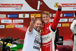 Podium: #11 Formula Racing Ferrari 488: Nicklas Nielsen
