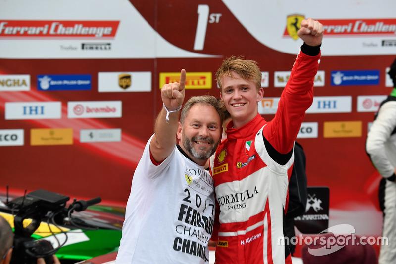 Podyum: #11 Formula Racing Ferrari 488: Nicklas Nielsen