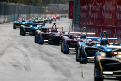 Sam Bird, DS Virgin Racing, davanti ad Alex Lynn, DS Virgin Racing, Nicolas Prost, Renault e.Dams