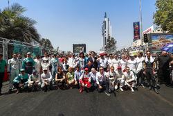 Foto previa a la carrera de pilotos con Jean Todt, presidente de la FIA, Alejandro Agag, CEO de Fórm
