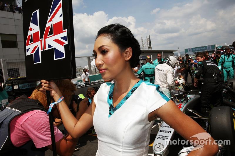 Grid girl for Lewis Hamilton, Mercedes AMG F1 W07 Hybrid