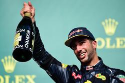 Daniel Ricciardo, Red Bull Racing viert zijn derde plaats op het podium
