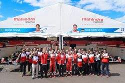 Bruno Senna en Nick Heidfeld, Mahindra Racing en het Mahindra Racing team