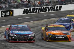 Regan Smith, Tommy Baldwin Racing Chevrolet, Kyle Busch, Joe Gibbs Racing Toyota