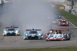 #35 Jackie Chan DC Racing Oreca Nissan 03R: Ho Pin Tung, Gustavo Menezes