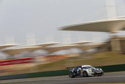 #88 Proton Competition Porsche 911 RSR: Khaled Al Qubaisi, David Heinemeier Hansson, Patrick Long