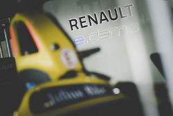 Renault e.Dams atmósfera en el garaje