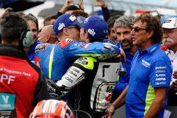 Yarış galibi Maverick Viñales, Team Suzuki MotoGP, 2. Cal Crutchlow, Team LCR Honda