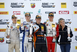 Podium: Sieger Joseph Mawson, Van Amersfoort Racing; 2. Mike David Ortmann, Mücke Motorsport; 3. Mic