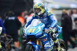 Aleix Espargaro, Team Suzuki MotoGP on the grid
