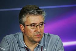 Pat Fry, Manor Racing Engineering Consultant in de persconferentie