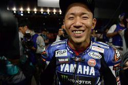 Yarış galibi #21 Yamaha Factory Racing Team: Katsuyuki Nakasuga