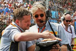 Paul Hembery, Pirelli Motorsport Director en la parrilla