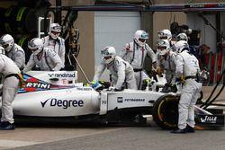 Felipe Massa, Williams FW38 retired from the race
