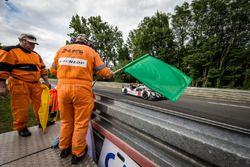 Herstart: #2 Porsche Team Porsche 919 Hybrid: Romain Dumas, Neel Jani, Marc Lieb