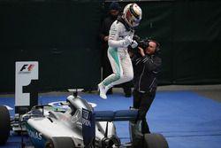 1st for Lewis Hamilton, Mercedes AMG F1 W07