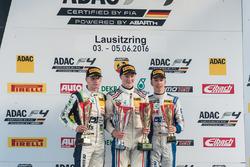Podyum: 2. Jannes Fittje, US Racing; 1. Fabio Scherer, Jenzer Motorsport; 3. Mike David Ortmann, Müc