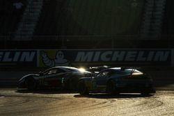 #71 AF Corse Ferrari 488 GTE: Davide Rigon, Sam Bird; #97 Aston Martin Racing Aston Martin Vantage G