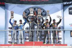 Podyum GS Class: 1. #15 Multimatic Motorsports Ford Shelby GT350R-C: Scott Maxwell, Billy Johnson, 2